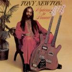 Sans gravité, le premier album funk de Tony Newton revient en vinyle